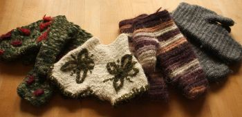 Naalbinding mittens for sale