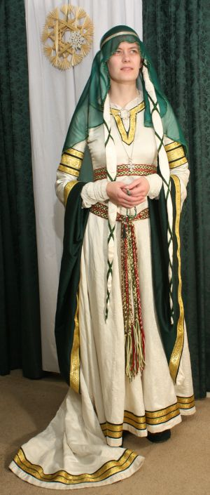 AnnOtherDay 12th c. Wedding Dress